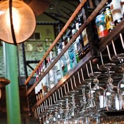 bar-923632_1920